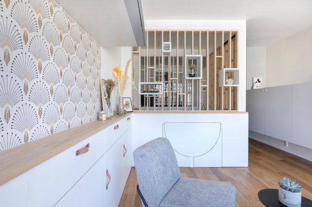 Scandinavian Living Room by Décodage Création