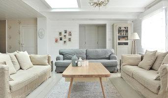 Un salon dans une extension de maison