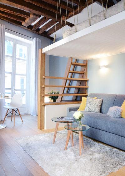 Scandinavian Living Room by Les Murs ont des oreilles