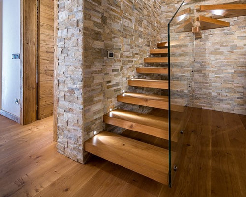 Foto e idee per scale scale in montagna - Rivestimenti scale interne moderne ...