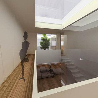 Imagen de escalera panelado, actual, extra grande, con panelado