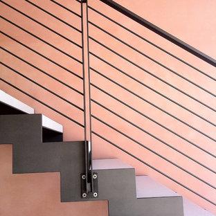 ヴェネツィアのインダストリアルスタイルのおしゃれな階段の写真