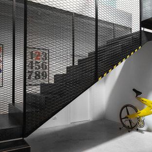 Aménagement d'un escalier industriel en U.