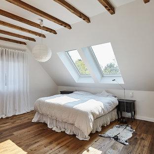 Camera da letto con parquet scuro Düsseldorf - Design, Foto ...