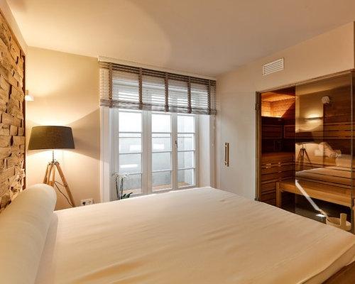 Camera da letto in montagna con pavimento con piastrelle in