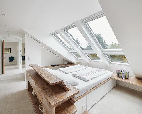 Großes Modernes Hauptschlafzimmer Ohne Kamin Mit Weißer Wandfarbe Und  Teppichboden In Düsseldorf
