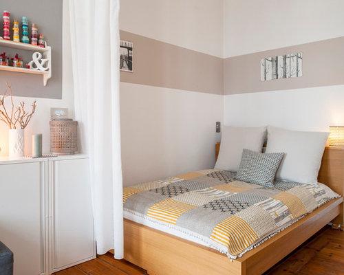 Wunderbar Kleines Skandinavisches Schlafzimmer Im Loft Style Mit Hellem Holzboden Und  Weißer Wandfarbe In Berlin