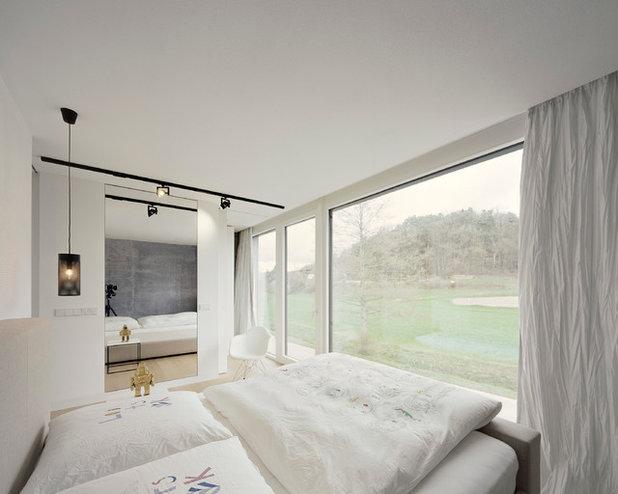 Minimalistisch Schlafzimmer by KPT Architekten