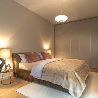 Moderne Schlafzimmer mit brauner Wandfarbe Ideen, Design ...