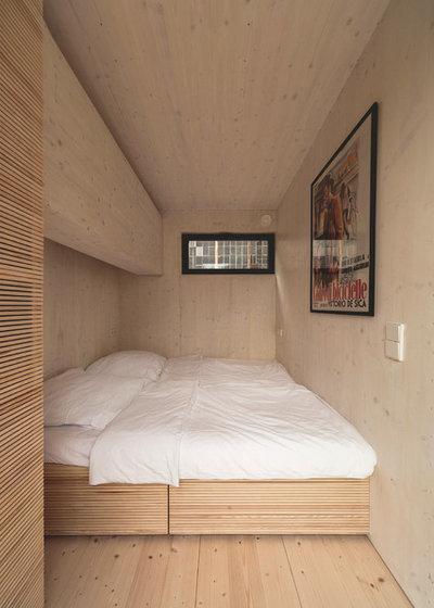 Современный Спальня by transstruktura