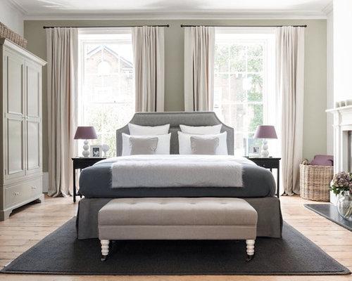 landhausstil hauptschlafzimmer mit hellem holzboden design. Black Bedroom Furniture Sets. Home Design Ideas