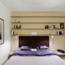 Contemporary Bedroom by Plan W GmbH Werkstatt für Räume