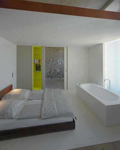 Industriale Camera da Letto by AMBRUS+CO  architektur . design