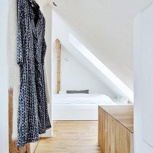 Minimalist Bedroom Photo In Hamburg