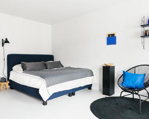 kleines modernes schlafzimmer mit weier wandfarbe und linoleum in berlin - Moderne Schlafzimmer