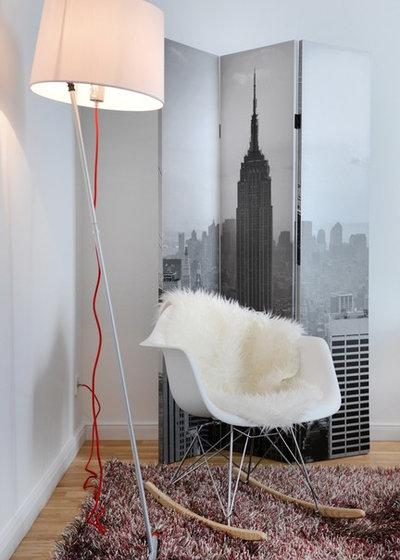 Modern Schlafzimmer by WELLHAUSEN Immobilien Styling