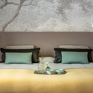 Stilmix Schlafzimmer mit Tapetenwänden in Berlin