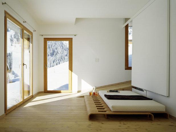 Современный Спальня by Drexler Guinand Jauslin Architekten GmbH