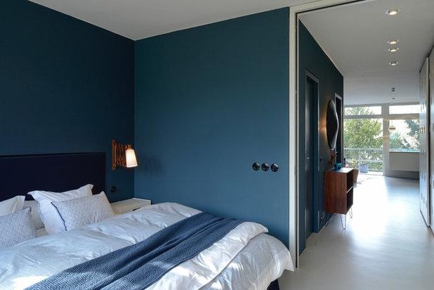 Современный Спальня by a-base | büro für architektur