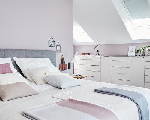 Mittelgroßes Modernes Hauptschlafzimmer Ohne Kamin Mit Rosa Wandfarbe,  Teppichboden Und Grauem Boden