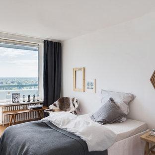 Camera da letto con pareti bianche Germania - Foto e Idee ...