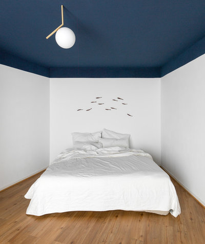 Beach Style Bedroom by Studio Plietsch