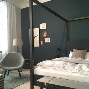 Skandinavische Schlafzimmer mit schwarzer Wandfarbe Ideen, Design ...