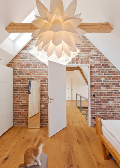 Landhausstil Schlafzimmer by .rott .schirmer .partner Architektur