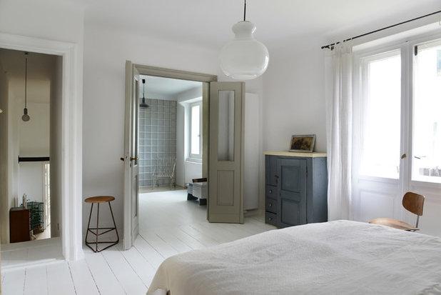 Scandinavian Bedroom by Studio Swen Burgheim