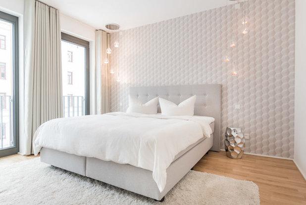 Skandinavisch Schlafzimmer by 99chairs GmbH