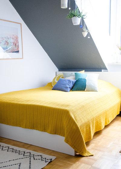 Modern Bedroom by La petite Olga