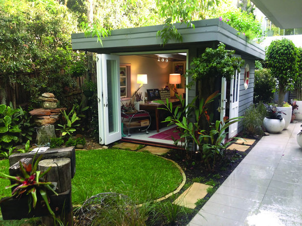 Eclectic Granny Flat or Shed by Adore Design and Landscape