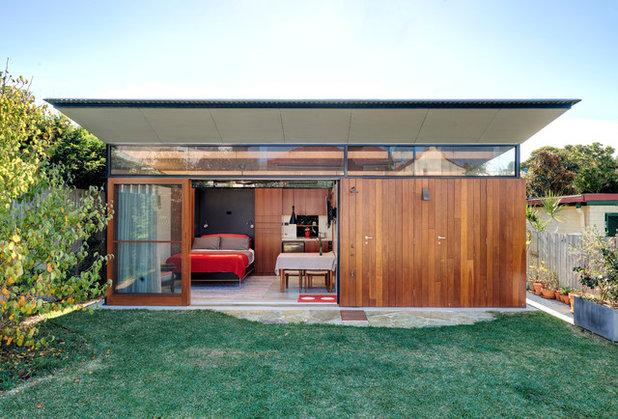 Modern granny flats designs and key considerations houzz - The cork hut a flexible housing alternative ...
