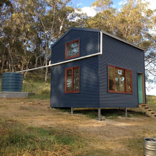 Photo of a small industrial detached guesthouse in Canberra - Queanbeyan.