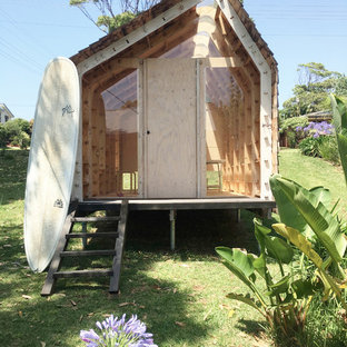 Photo of a contemporary detached shed and granny flat in Sydney.