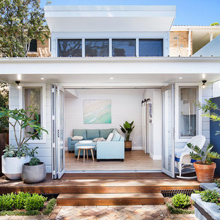 This is an example of a small beach style detached granny flat in Sydney.