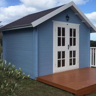 シドニーの中サイズの独立型シャビーシック調のおしゃれな物置小屋・庭小屋の写真