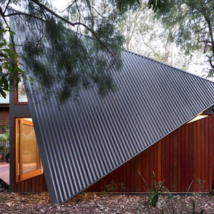 Contemporary shed and granny flat in Sydney.