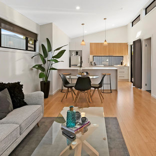 Design ideas for a mid-sized contemporary detached granny flat in Newcastle - Maitland.