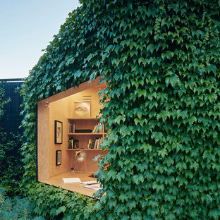 Photo of a contemporary detached studio in Melbourne.