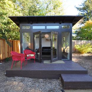 Cette image montre un abri de jardin minimaliste.