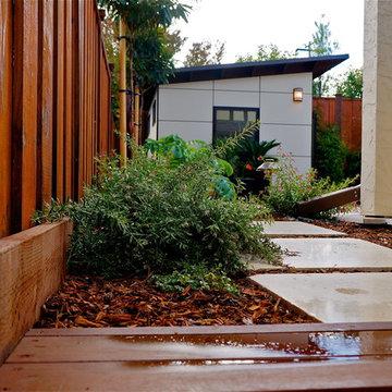 10x12 Poolside Retreat & Living Space