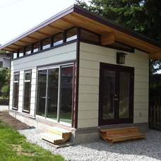 Modern Garage And Shed by Westcoast Outbuildings Inc.