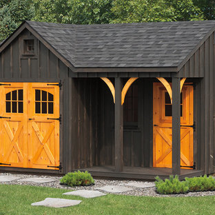 Design ideas for a mid-sized detached garden shed in Philadelphia.