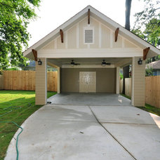Traditional Garage And Shed by Thrive Homes, LLC