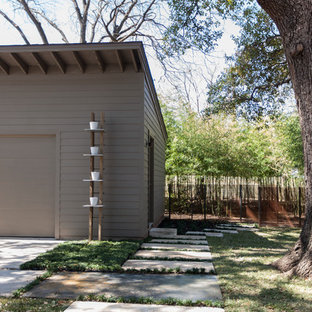 Inspiration for a contemporary shed and granny flat in Dallas.