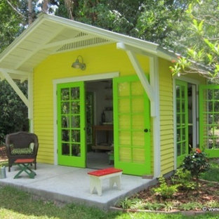 Inspiration for a tropical shed remodel in Tampa