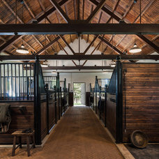 Traditional Garage And Shed by Archer & Buchanan Architecture, Ltd.