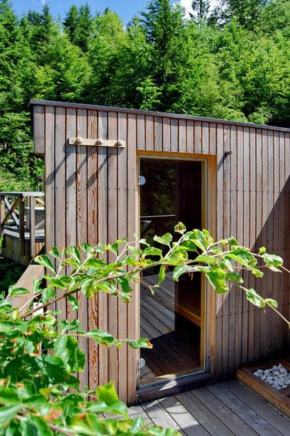 деревенский гараж и сарай по ландшафтной ду Словении