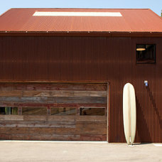 Industrial Garage And Shed by CCS ARCHITECTURE